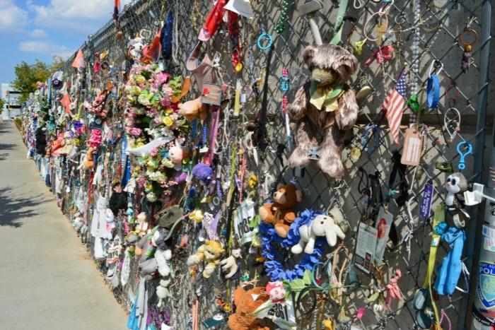 Oklahoma City bombing fence memorial